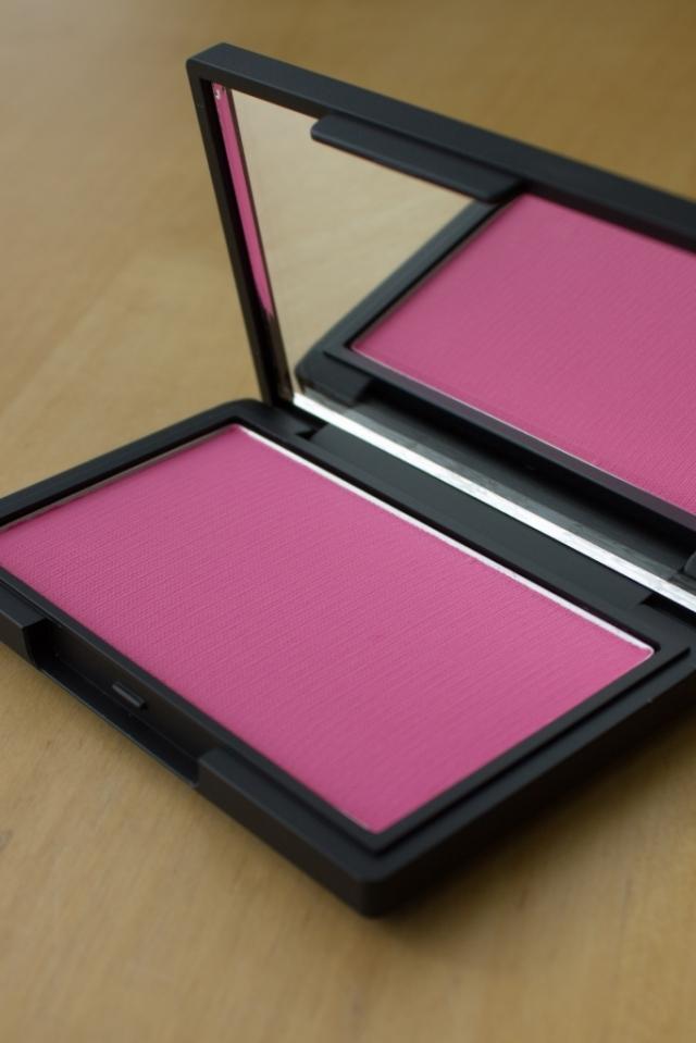sleek blusher